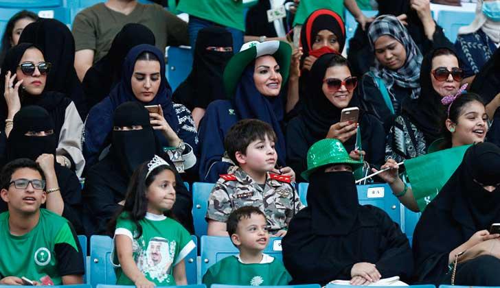 Las mujeres de Arabia Saudita podrán asistir a eventos deportivos a partir de 2018 . Foto: Reuters