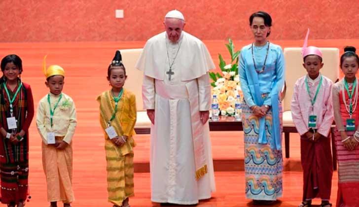 """El papa Francisco reclama a Birmania respeto a """"todas las etnias"""", sin nombrar a rohinyás. Foto: EFE"""