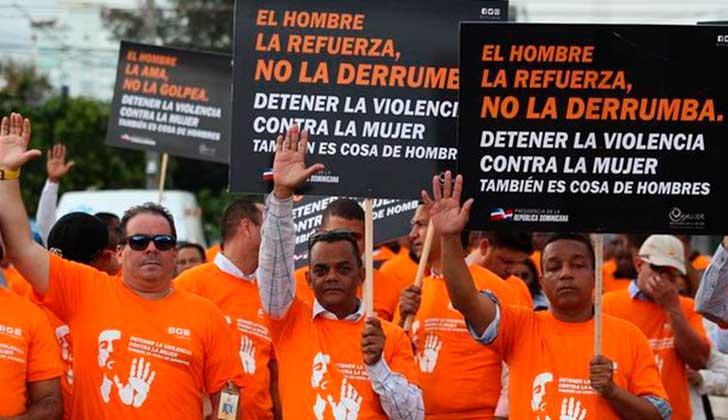 Cientos de hombres marcharon contra el feminicidio en República Dominicana .