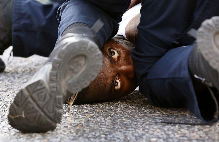 #4 Ojos De Un Manifestante, Jonathan Bachman (1º En Color En General)