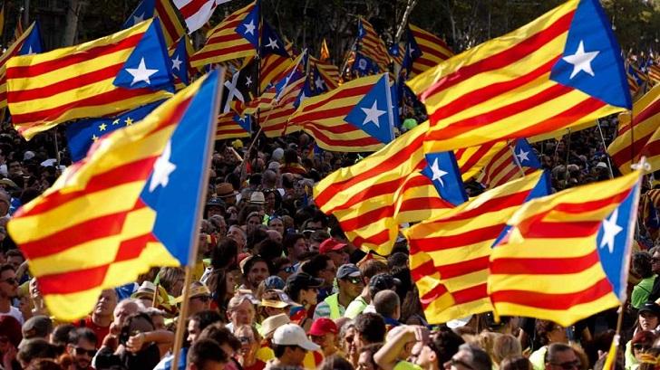 Catalanes van hoy a elecciones regionales