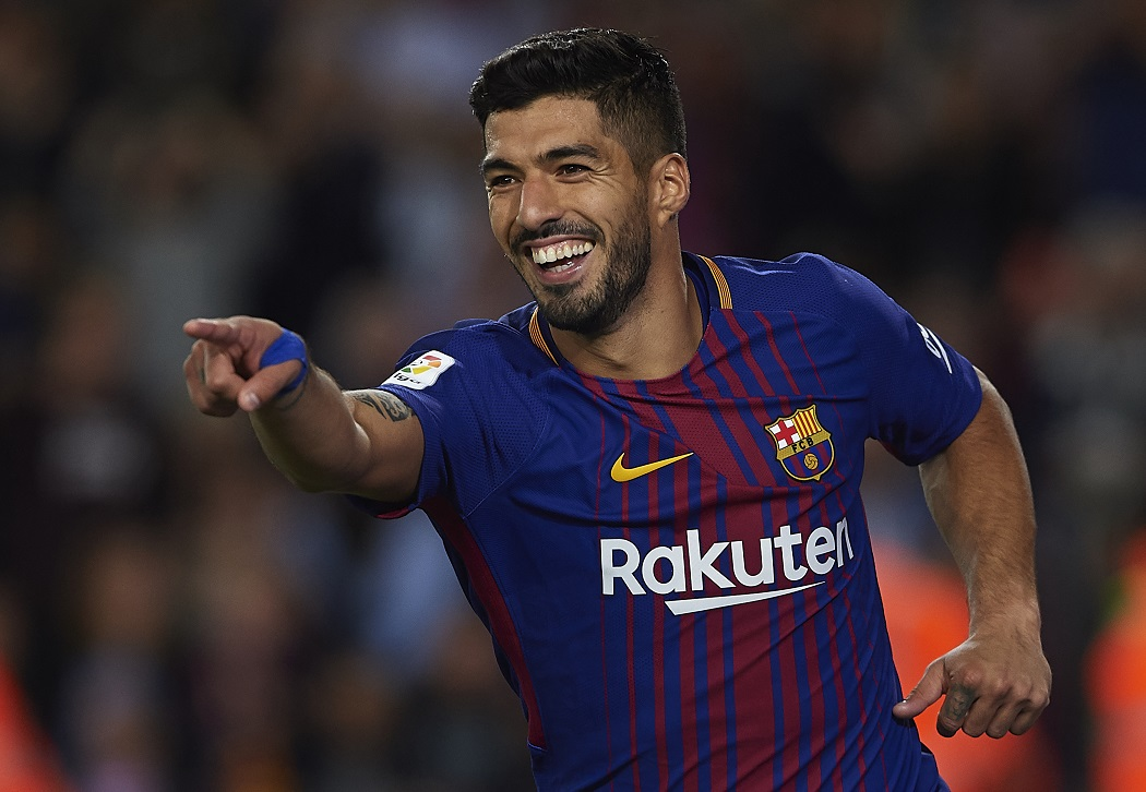 BARCELONA, SPAIN - SEPTEMBER 09:  Luis Suarez of Barcelona celebrates scoring his team's fifth goal during the La Liga match between Barcelona and Espanyol at Camp Nou on September 9, 2017 in Barcelona, Spain.  (Photo by Manuel Queimadelos Alonso/Getty Images)