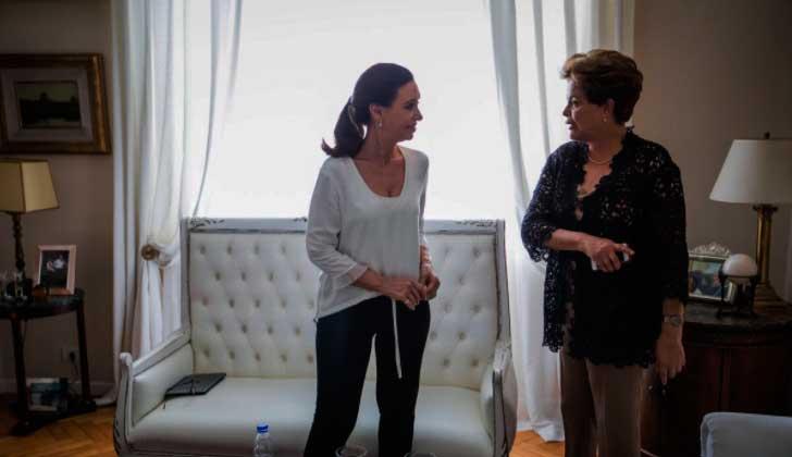 Dilma y CFK denunciaron la utilización de la ley y de la máquina judicial como arma política .
