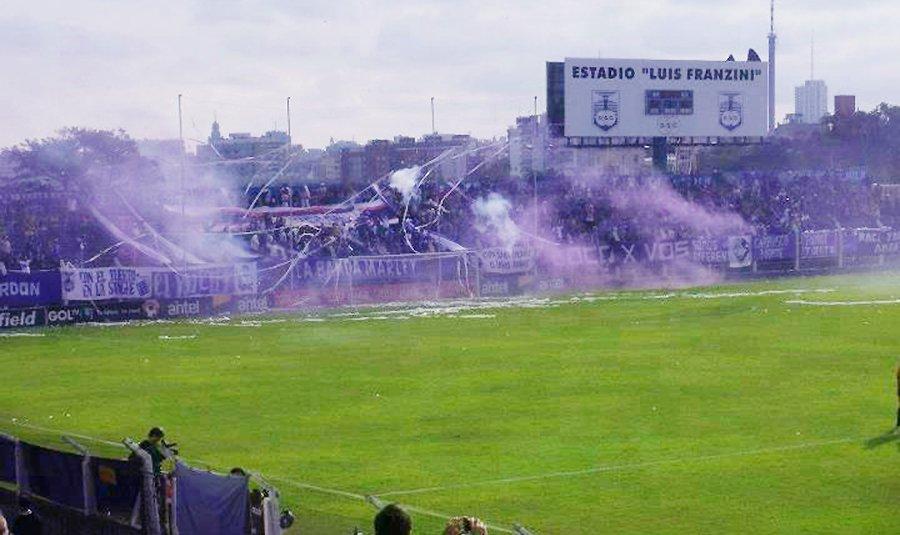Peñarol golea y peleará el título del Campeonato Uruguayo con Defensor