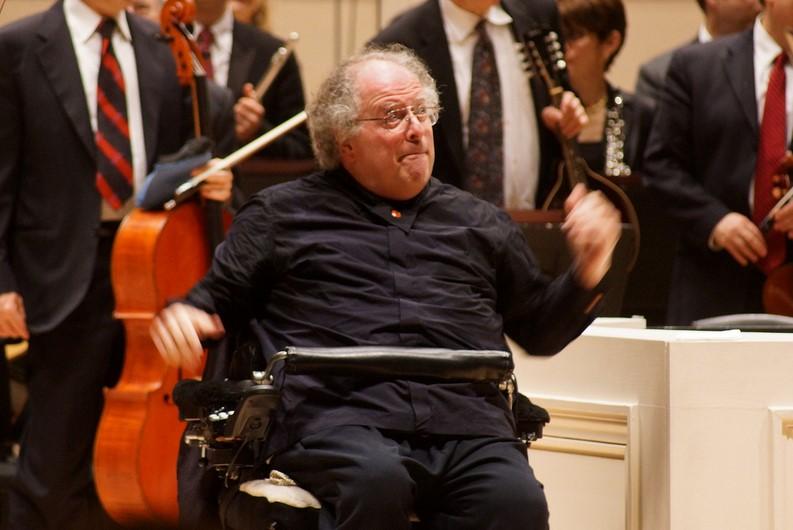 James Levine dirigiendo una obra de Mahler en el Carnegie Hall, en 2013. Foto: Flickr / Feast of Music