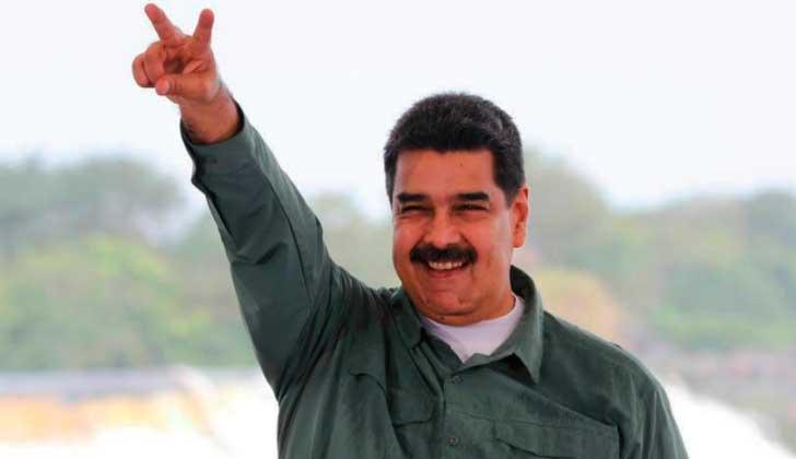 Maduro convoca al diálogo con oposición en la sede de Gobierno.