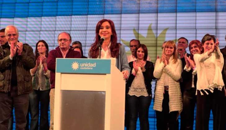 ARGENTINA: procesan con prisión preventiva a CFK y piden su desafuero.