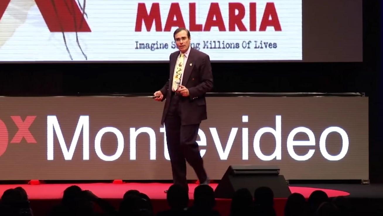 José Luis Cordeiro durante su conferencia en el TEDxMontevideo 2016. Foto: captura de  pantalla de YouTube