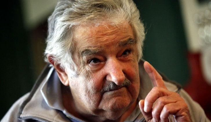 """Mujica: """"La corrupción se acentuó porque se ha plantado la tácita idea de que para triunfar hay que tener mucho dinero"""" ."""