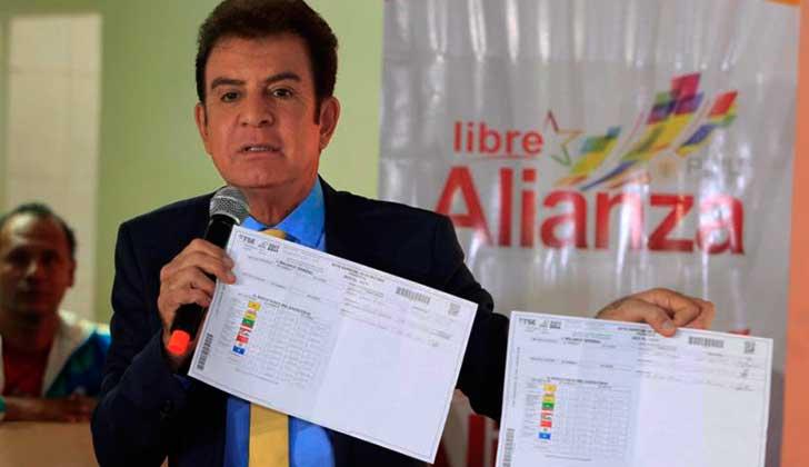 """Oposición presenta en Honduras """"pruebas"""" del fraude electoral."""
