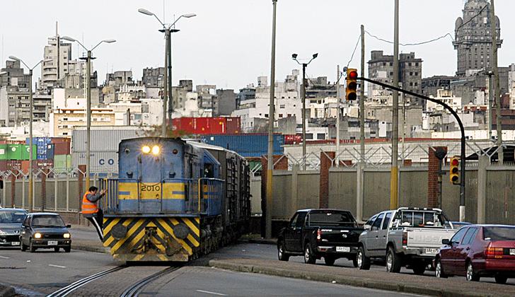 Uruguay: Lanzan licitación para ferrocarril que empalmará con el Puerto de Montevideo