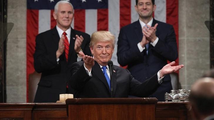 """Trump pidió a los norteamericanos """"actuar como una familia"""" en su discurso de Estado de Unión."""