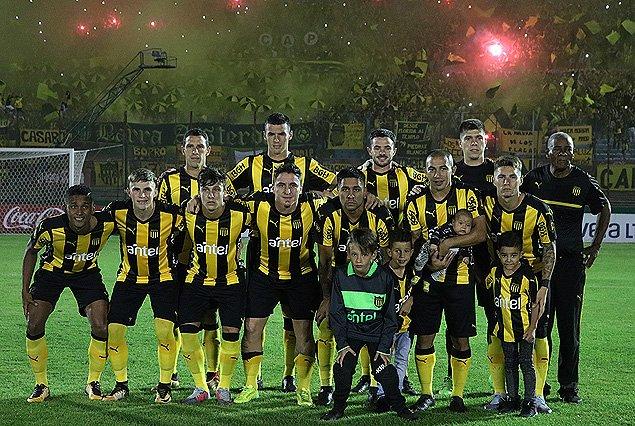 Peñarol venció a Nacional y se consagró campeón de la Supercopa
