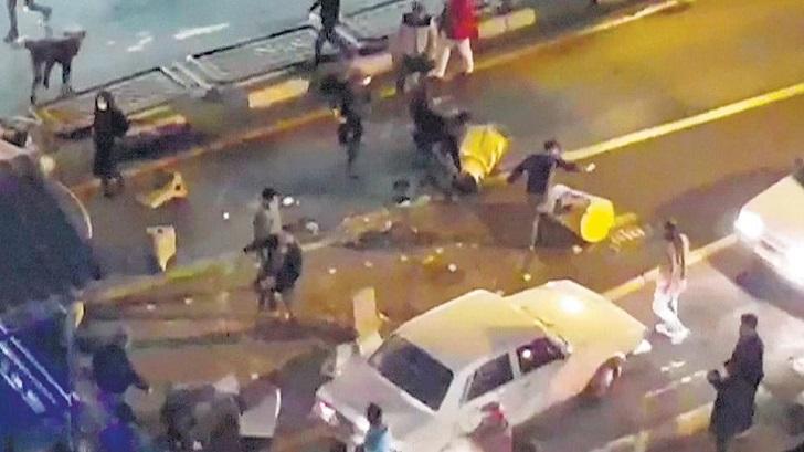 Varios fallecidos en Irán en el marco de las manifestaciones .