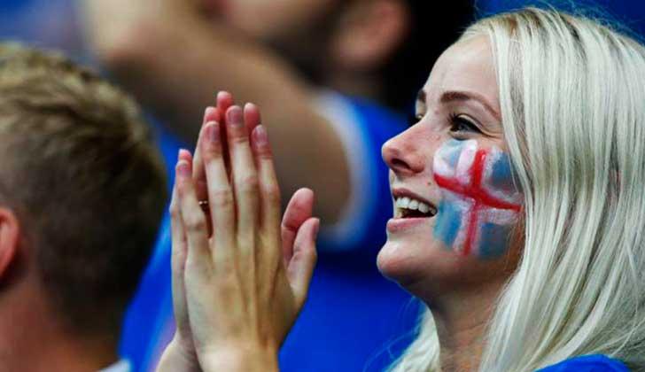 ¡A favor de la equidad de género! Islandia prohibió la brecha salarial