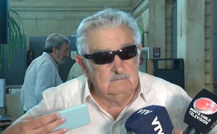 José Mujica respondiendo a la prensa / Foto: Subrayado