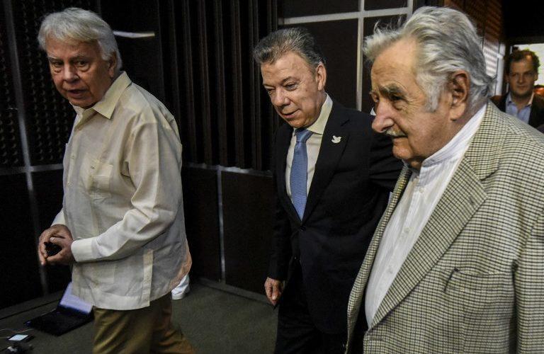 Felipe González, Juan Manuel Santos y José Mujica / Foto: AFP