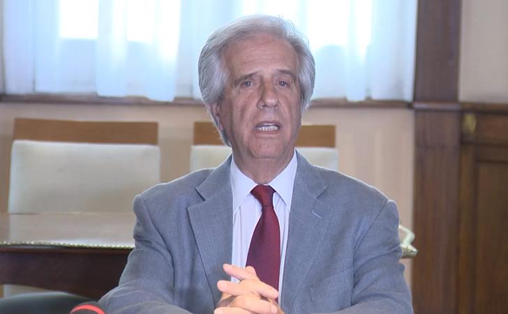 Tabaré Vázquez en conferencia de prensa posterior a la reunión con el agro / Foto: Presidencia