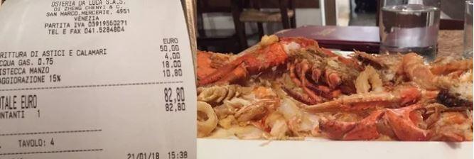 Cuenta de 82 euros por un almuerzo en Venecia. Foto: Il Gazzetino