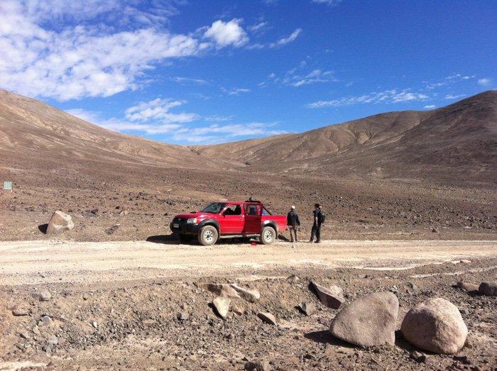 Dirk Schulze-Makuch y sus colaboradores en Atacama. Foto: Dirk Schulze-Makuch