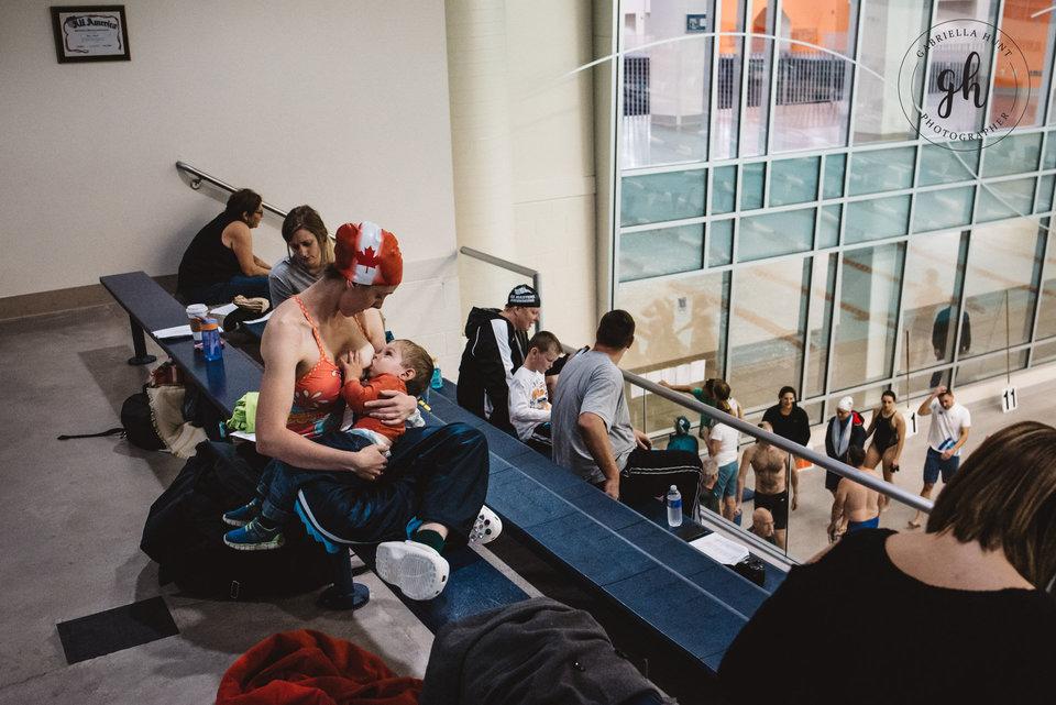 Gabriella Hunt Photography Un silencio cayó sobre la multitud. Rochester, Nueva York.