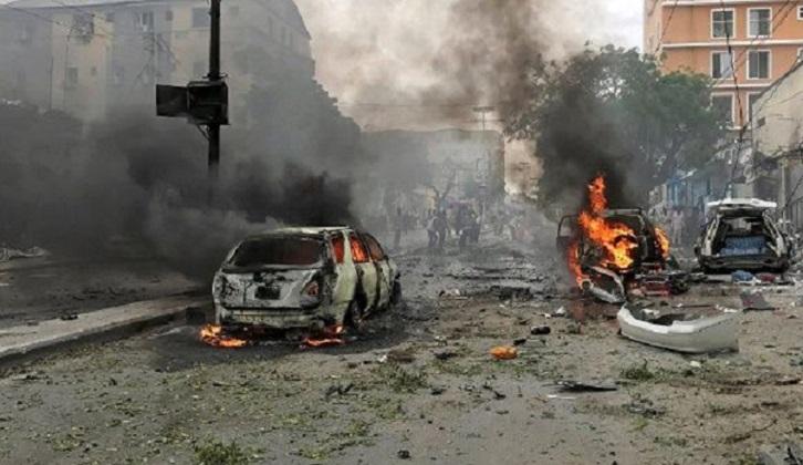 Un doble atentado dejó 45 muertos en Somalia.