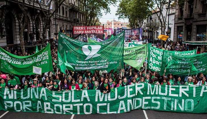 Pañuelazo frente al Congreso por la legalización del aborto