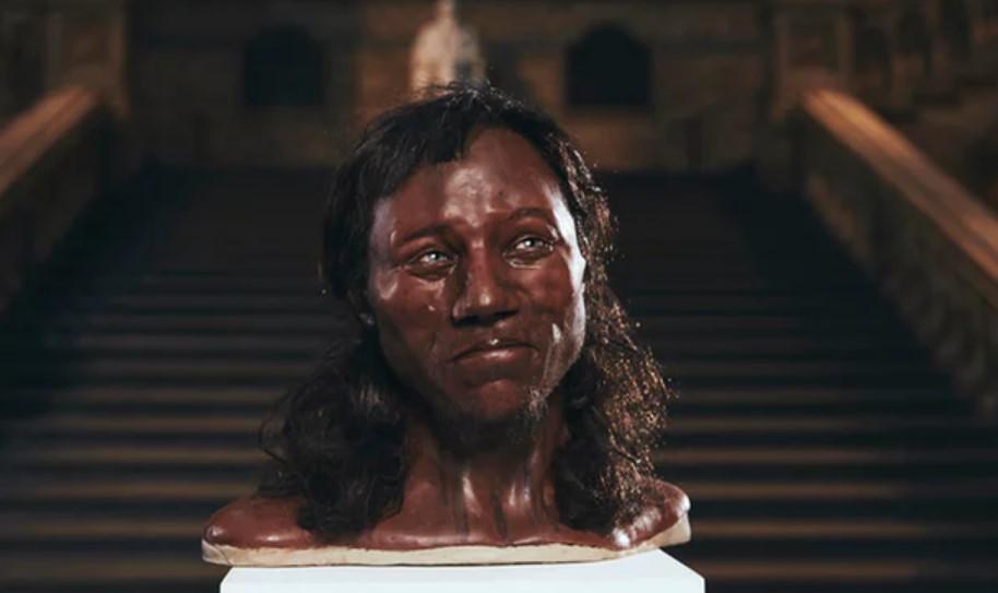 Una reconstrucción forense de la cabeza del Cheddar Man, basada en la nueva evidencia de ADN y su esqueleto fosilizado. Fotografía: Canal 4