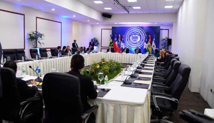 Gobierno y oposición de Venezuela logran avances en diálogo.
