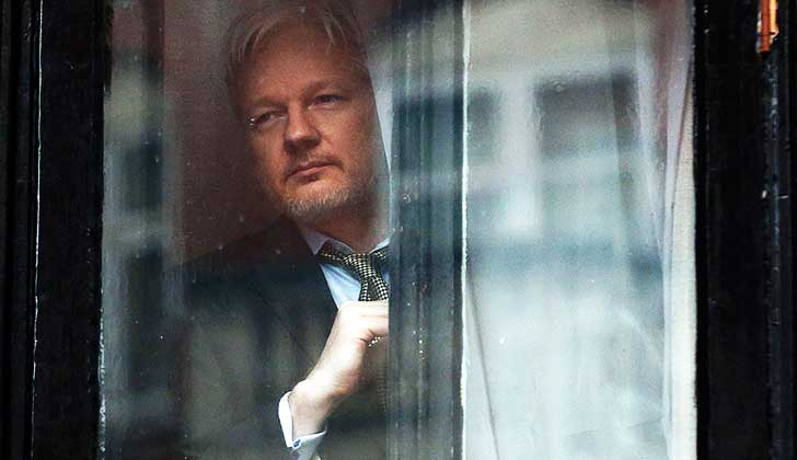 Justicia de Reino Unido confirma la orden de arresto de Julian Assange.