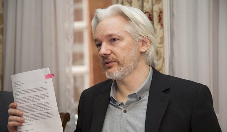 Reino Unido se niega a retirar la orden de detención de Julian Assange.