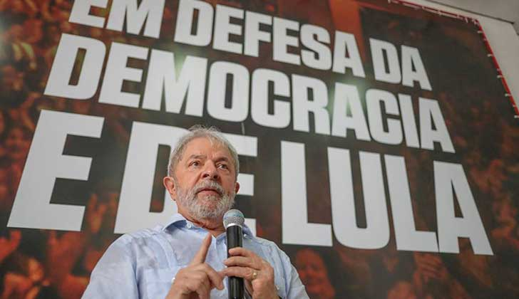 La Justicia ordenó devolver el pasaporte a Lula, y su defensa recurrió a la Corte Suprema para evitar la prisión.