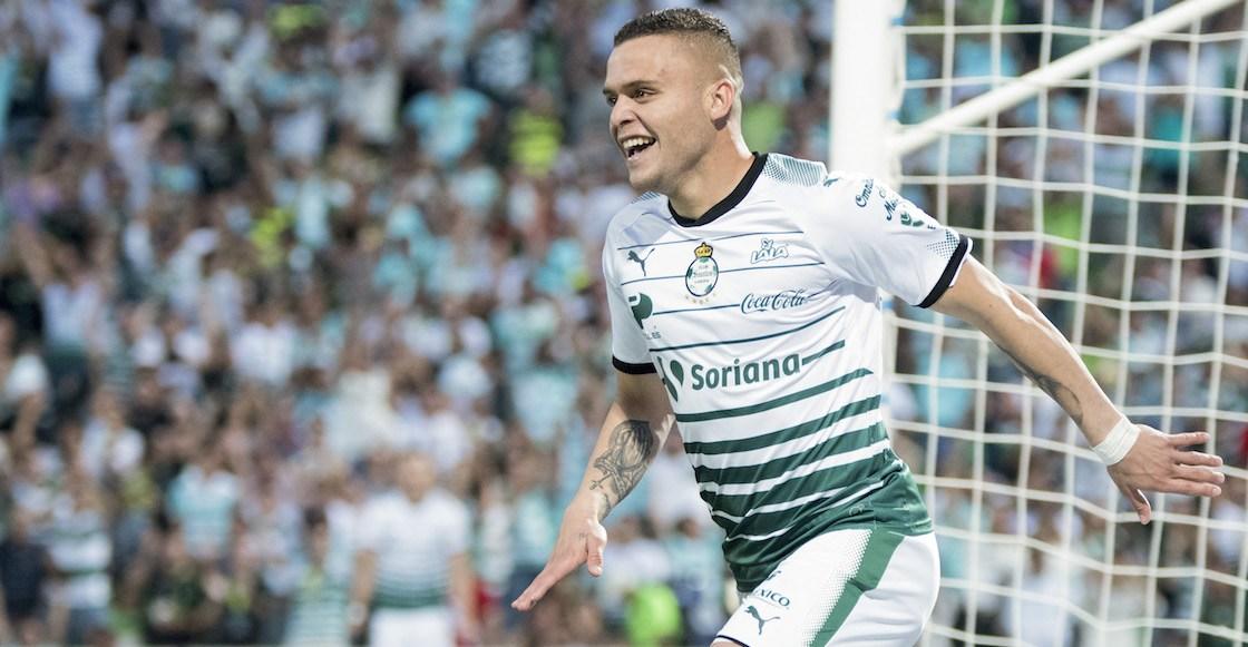 Santos Laguna gana a Monterrey en feria de goles en el Corona