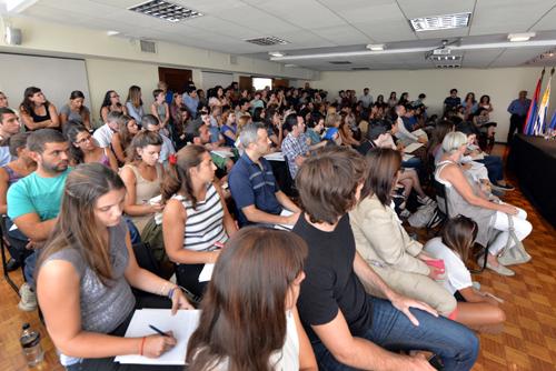 La sala Alba Roballo se colmó de público