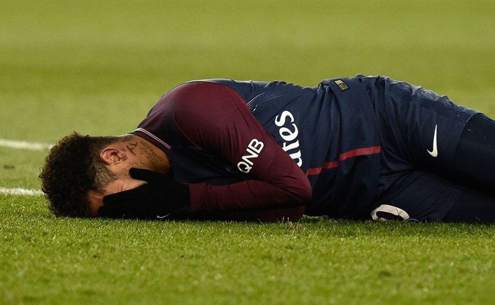 Neymar dejó el hospital y comenzará su recuperación en Río