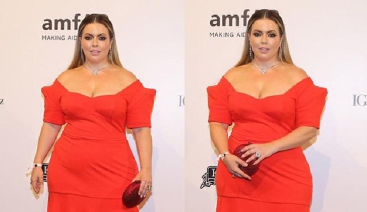 La modelo brasileña Fluvia Lacerda crea su propio vestido de gala después de negativas de marcas.
