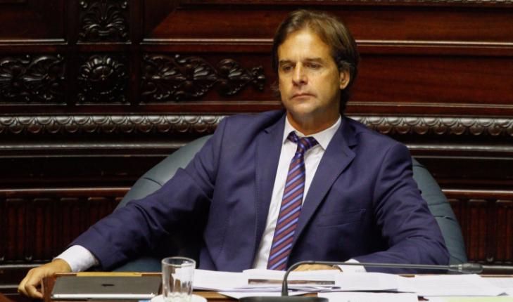 Lacalle Pou dice que espera que se apruebe el proyecto de ley que restringe fueros parlamentarios. Foto: @TodosUy