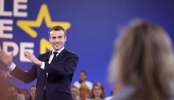 """Macron: """"EE.UU., Francia y sus aliados deben quedarse en Siria para construir un nuevo país"""""""