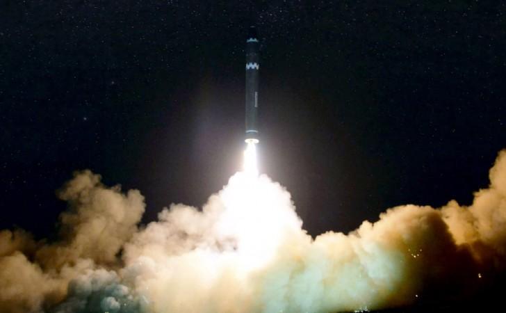 Lanzamiento del misil Hwasong-15, hecho por Corea del Norte en noviembre de 2017. Foto: AFP via KCNA