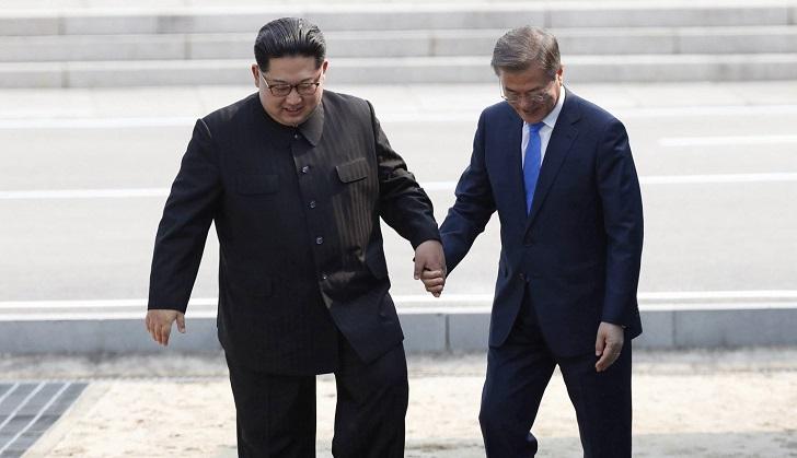 Pyongyang suspende los contactos con Corea del Sur por maniobras militares de Seúl y Washington.