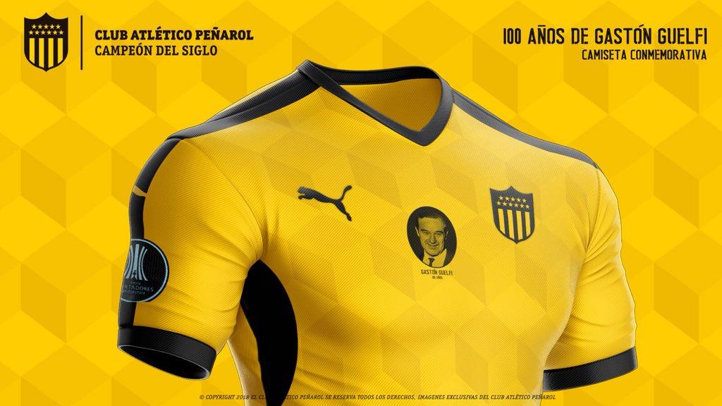 La camiseta también cuenta con un estampado en rombos en tonos más oscuros / Foto: Peñarol