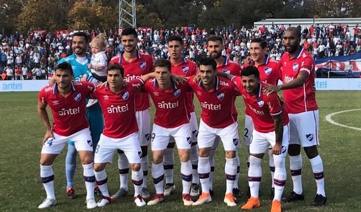 Nacional goleó 4-1 Wanderers en el Viera