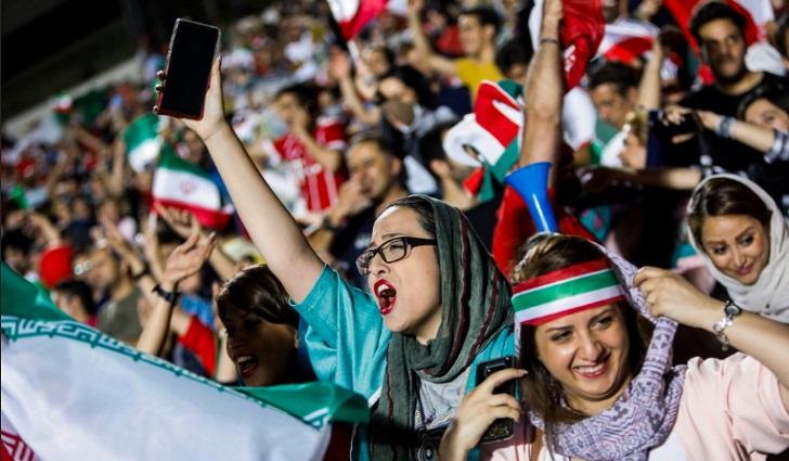 Las mujeres iraníes logran una victoria al poder ingresar a un estadio después de 37 años