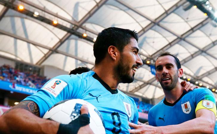 Luis Suárez festeja el tanto de la victoria parcial / Foto: FIFA