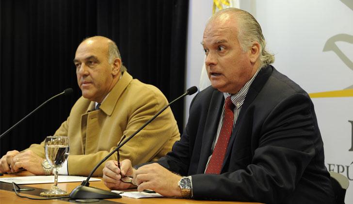 Presidente de la Cámara de Industrias, Gabriel Murara (izq), y el vicepresidente de la Cámara de Comercio y Servicios, Daniel Sapelli (der). Foto: Presidencia de la República.