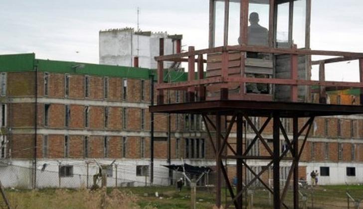 Petit:  Para tener seguridad tenemos que tener cárceles modernas, eficientes y educativas.