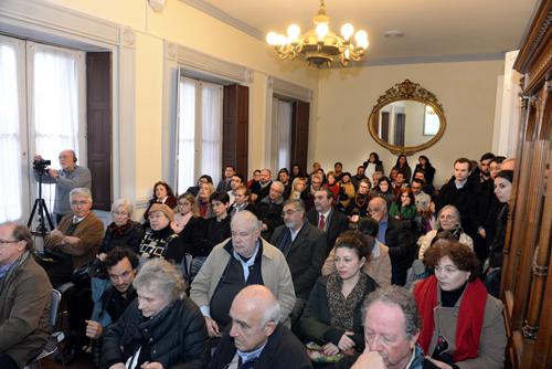 El público colmó el nuevo auditorio de la casa durante la reinauguración