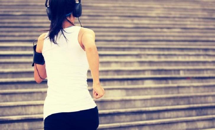 Beneficios de correr y escuchar música