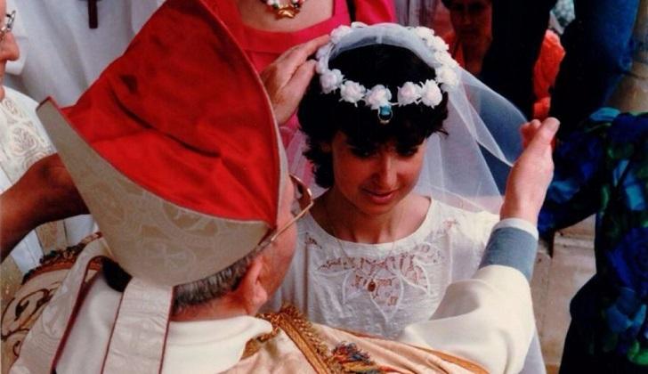 La última Rosière de la ciudad, Véronique Thuillier, fue coronada en 1987.