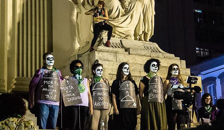 Lucha común de las mujeres latinoamericanas: Supremo de Brasil debate despenalización del aborto